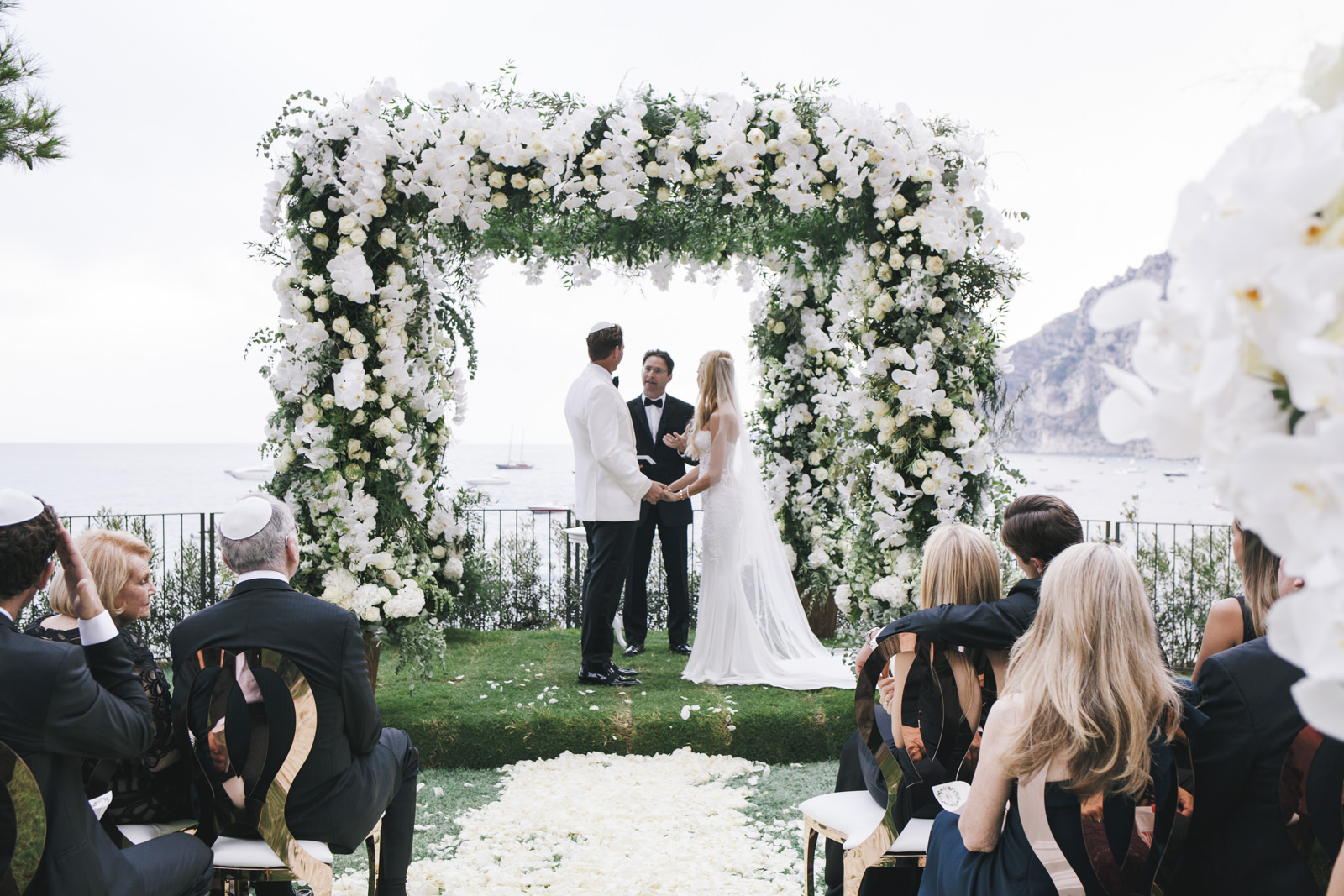 Your Fabulous Guide To Choosing Beautiful Laser Cut Wedding Invites