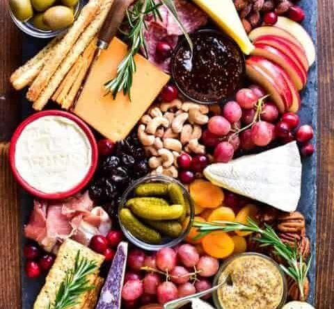 Putting Together the Perfect Appetizer Tray